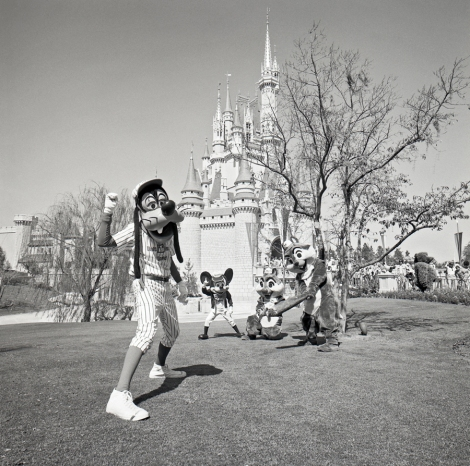 Source: http://www.mytakeondisney.com/2013/08/31/take-ballgame-vintage-disney-photo/