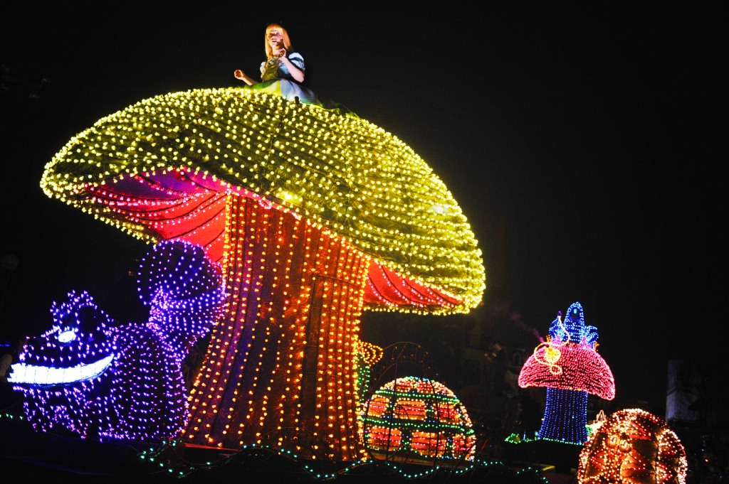 Source: http://www.disneyeveryday.com/by-popular-demand-main-street-electrical-parade-extended-indefinitely-at-walt-disney-world/